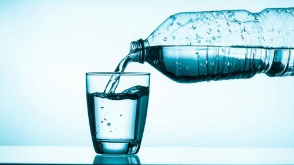 apa-din-sticla-periculoasa